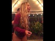 Nicole Aniston scopa un fortunato fam