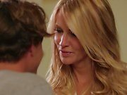 MILF Jessica Drake finishes off her toy boy