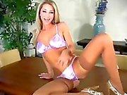 Sexy bod blonde joi Sammie