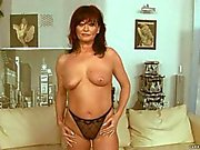 Granny gets her pussy rammed by sex machine