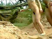 VOYEUR ON THE BEACH 24 sexy babes on the sun