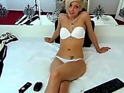 Skinny Webcam Girl show Ribs and do a Backbend