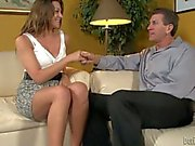 Leggy Carmen McCarthy gives mouth job with passion