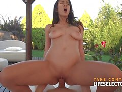 Gorgeous Darcia Lee sucks and fucks hard on the golf course