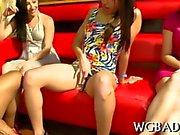 Muscular stripper receives a thrilling blowjob