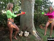 Carol Goldnerova and Wendy Wonders are outside on a hot summ
