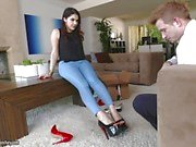 Foot fun with Valentina Nappi
