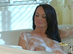 Alektra Blue and Kirsten price have lesbian sex in the bath