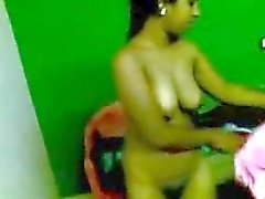 Indian Aunty expose her Nude Body on bed to BF