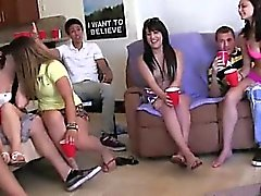 Teen coeds enjoying swingers action