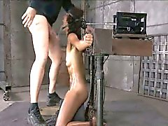 Deepthroat sybianed in blow job machine